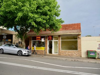 PRIME EASTWOOD TOWN CENTER LOCATION & AFFORDABLE RETAIL SPACE
