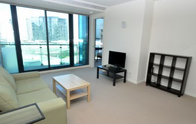 Spacious, Furnished Apartment in Charming Southbank!