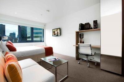 City Tempo - 20th Floor: Stunning, Furnished Studio Apartment in the Heart of Melbourne!