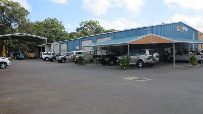 WAREHOUSE, 4 DOORS, CRANE AND OFFICE | CALOUNDRA WEST
