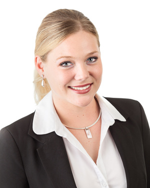 Carlie Curtis Real Estate Agent