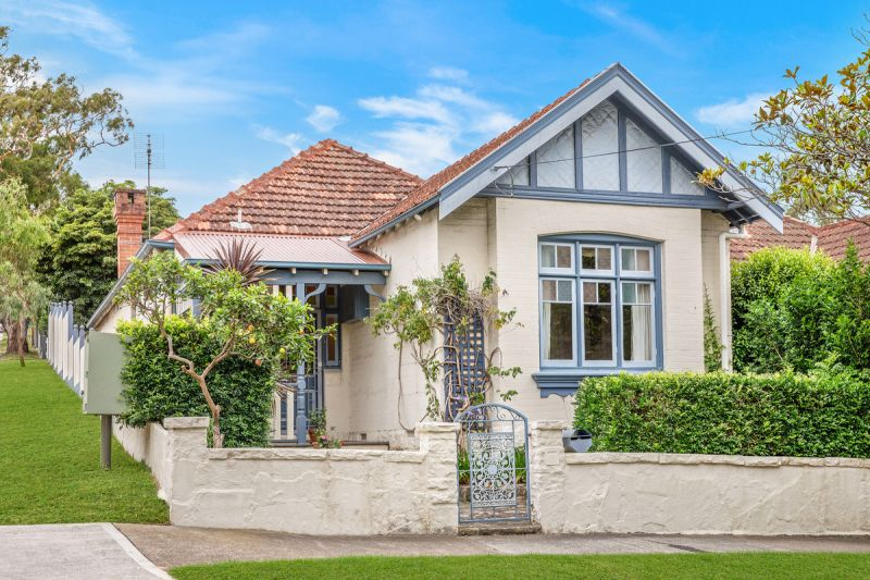 Federation Charmer in sought after Mosman Village location