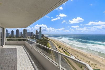 SUB-PENTHOUSE rare full floor apartment including Marina & Jetski Birth in 'Madison Point'