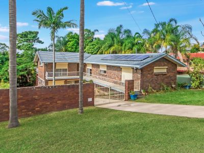 LARGE ORIGINAL BRICK AND TILE HOME ON 809 SQM BLOCK