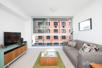 211/113 Commercial Road, Teneriffe