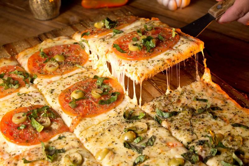Pizza shop in Pyrmont, 8 years lease left, quick sale low price