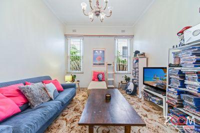 SPACIOUS THREE-BEDROOM HOUSE IN PETERSHAM
