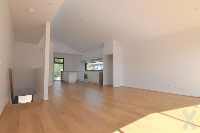 Style, Class and Sophistication!! 3BR TOWNHOUSE in the HEART of Ascot Vale, New Build with remote security gate