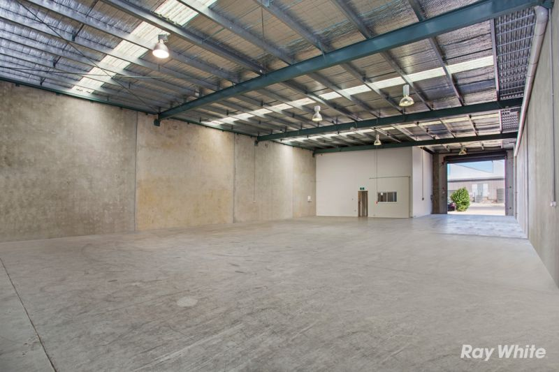 Street Frontage Office/Warehouse - Ready to be Occupied!