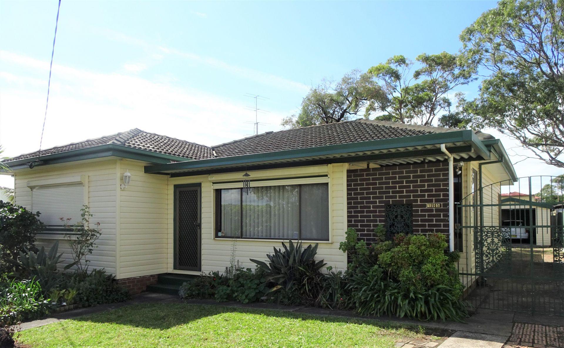 BARRACK HEIGHTS, NSW 2528