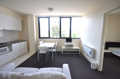 Q Apartments - FURNISHED and Right in The Heart Of Melbourne!