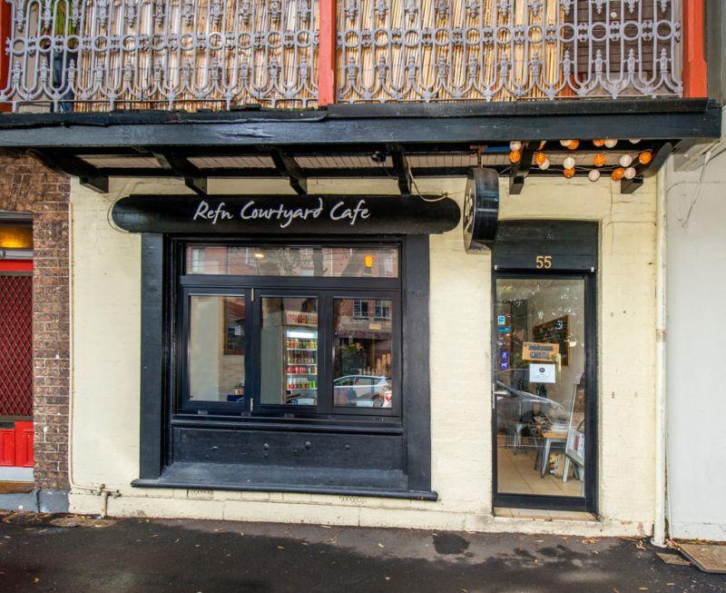 Café with Separate Apartment