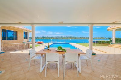 Luxury North to Rear 30 Metre River Frontage