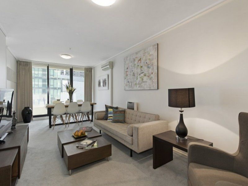 The Summit: Fabulous Two Bedroom Apartment, Within Walking Distance To Everything!