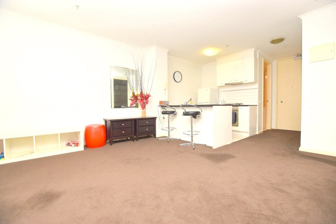 Vista: Exquisite One Bedroom Apartment!