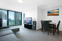 Terrific Urban Pad In Southbank ONE