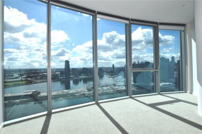 Forge Apartment: Live in Luxury with This Brand New Three Bedroom Apartment in Docklands!