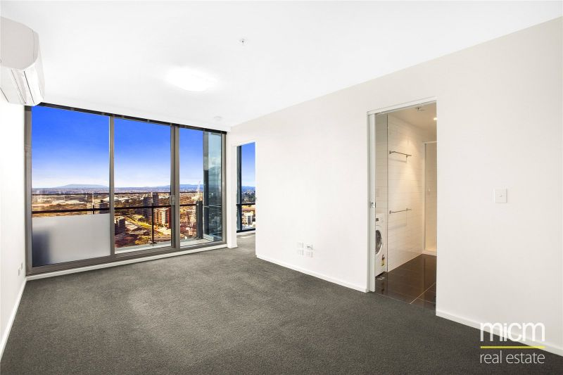 Mainpoint: 25th Floor - Spacious Apartment With Great Views!