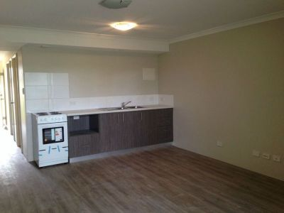 ONE BEDROOM UNIT IN SECURE COMPLEX