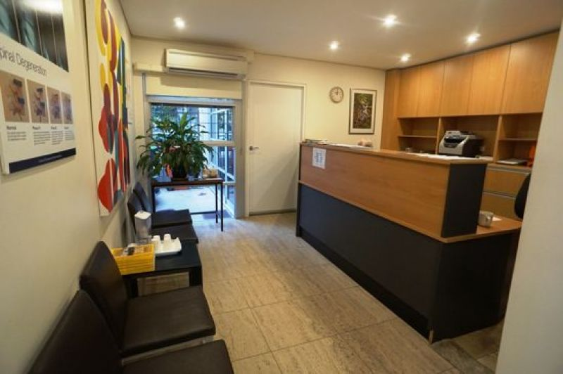 BOUTIQUE COMMERCIAL TERRACE SUITABLE FOR OFFICE OR CONSULTING ROOM