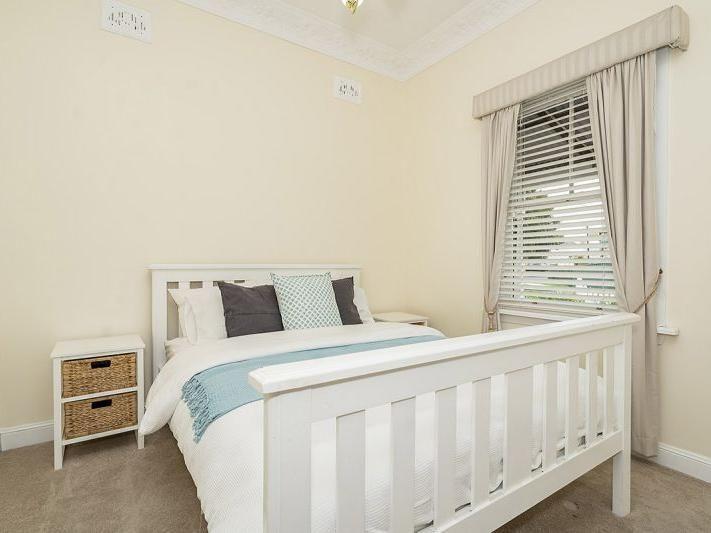 10 Bathurst Street, Singleton