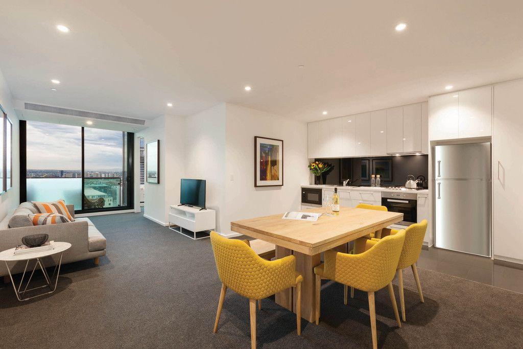 Australis: Beautiful 2 Bedroom, 2 Bathroom With Spacious Living Areas!