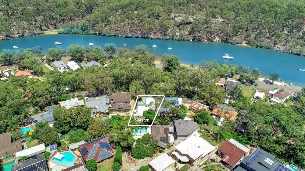 10 Carinya Road, Picnic Point NSW 2213
