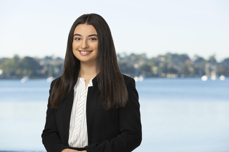 Maria Pizanias Real Estate Agent