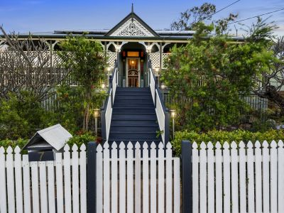 BRAEMAR GRAND CHARACTER HOME IN IDEAL LOCATION