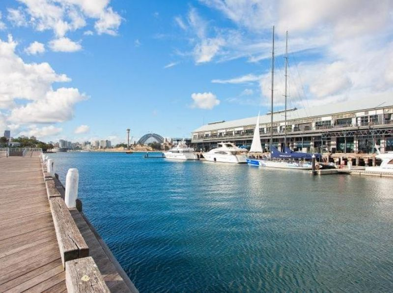 Waterfront Gem on Jones Bay Wharf!