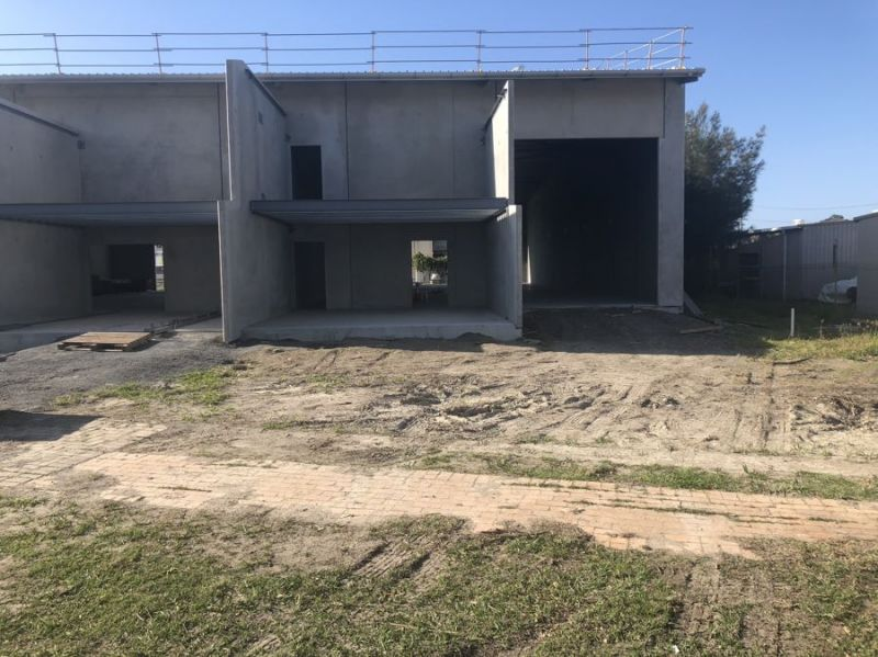 Warehouse PLUS rear yard and side access...