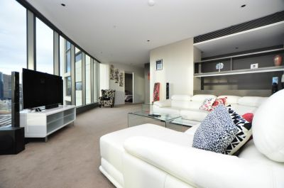 Beautifully Furnished 3 Bedroom Plus Study with Spectacular Views! L/B