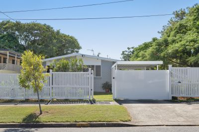 Coastal Inspired Renovated Home in Chirn Park Precint!