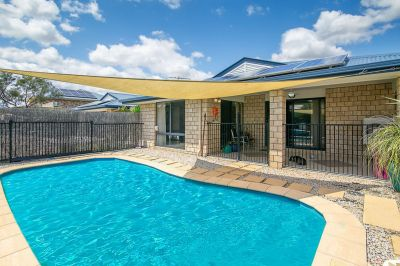 PRIVATE & SECLUDED BRICK WITH POOL