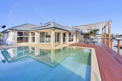 Blue Chip Location - Wide Canal - 20.7 m Waterfrontage