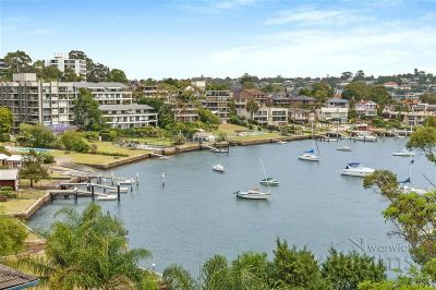 Renovated waterfront apartment with tranquil bay views