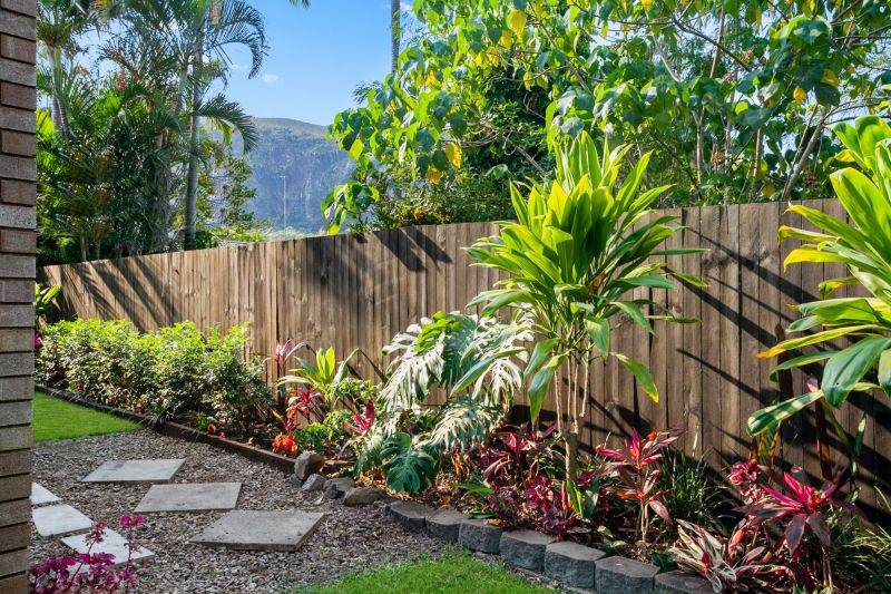 2/32 Suncoast Beach Drive, Mount Coolum