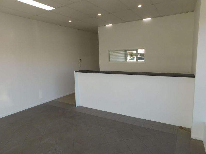 High Quality Office On Bay Terrace | Power included
