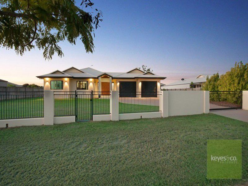 30 Shoalmarra Drive, Mount Low
