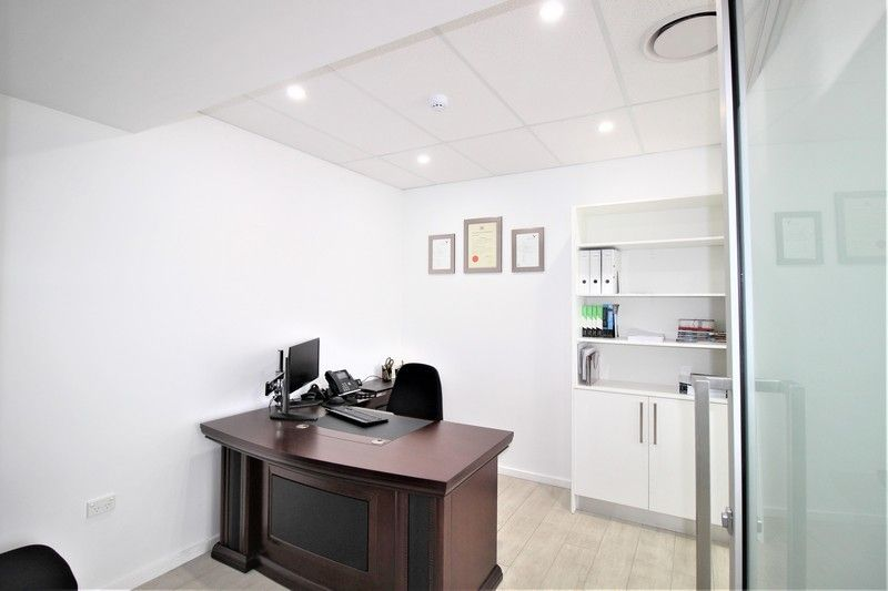 FULLY FITTED & PARTITIONED OFFICE/SHOP WITH MAIN ROAD EXPOSURE!