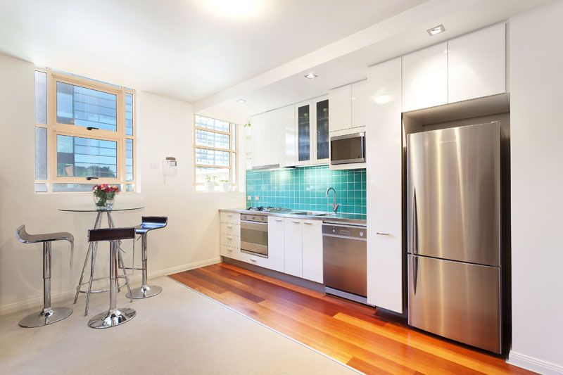 Concept Blue: Gorgeous One Bedroom Apartment - Right In The Heart of Melbourne!