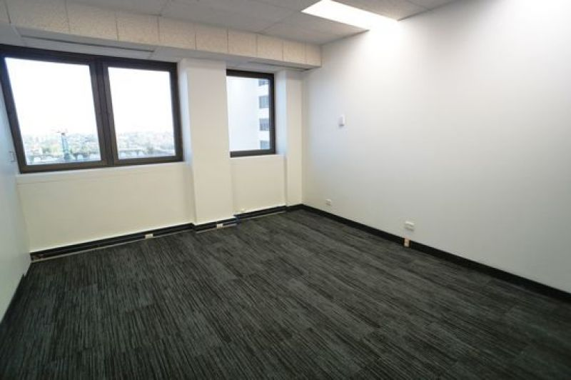 IDEALLY LOCATED COMMERCIAL SUITE IN THE HEART OF BONDI JUNCTION