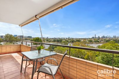 Huge Furnished Apartment Overlooking the River!