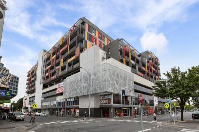 PROPERTY UNDER OFFER. When only the best will do! Your search ends here!