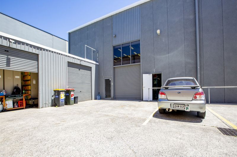 PERFECT OFFICE + WAREHOUSE IN CROMER