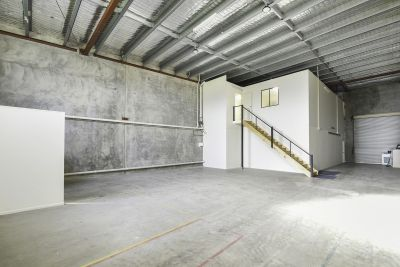 WAREHOUSE WITH SHOWROOM & OFFICES