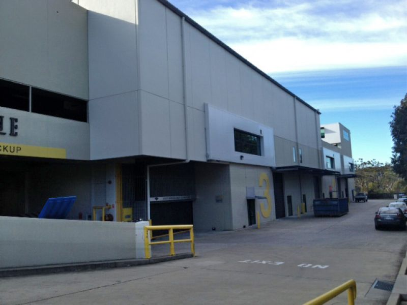 High Clearance Expansive Warehouse in Modern Industrial Estate - LEASED !