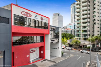 CBD FRINGE OFFICE - MOMENTS TO QUEEN STREET!