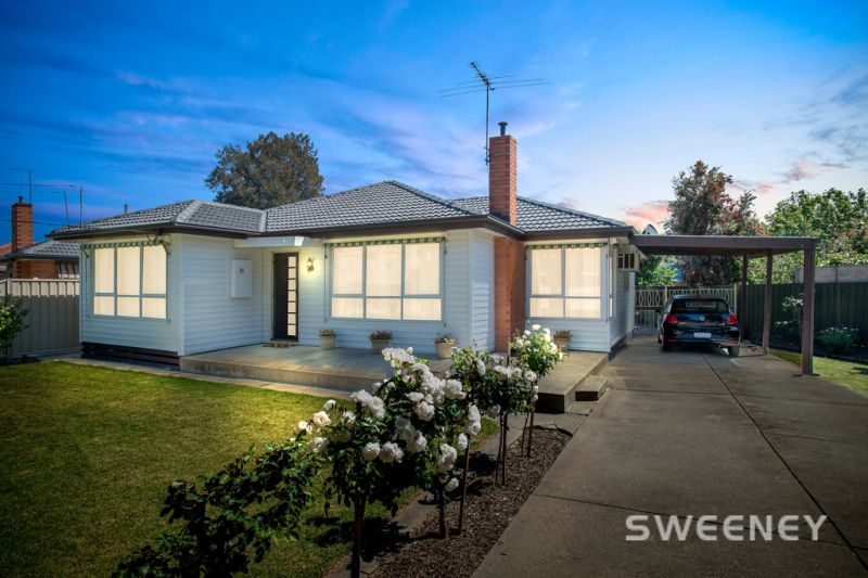 Superbly Maintained, Gorgeous Family Home!