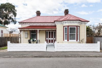 Delightful Invermay cottage